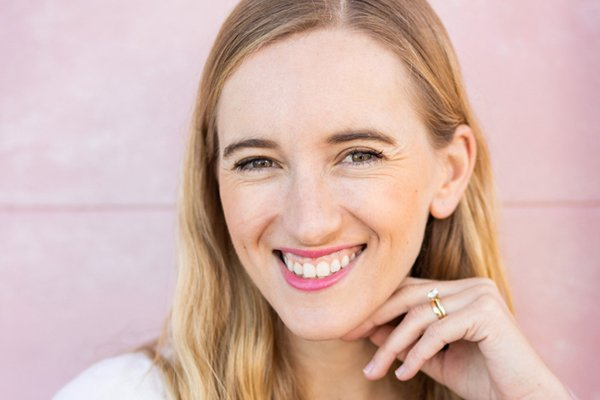Episode 112: Karolina Rzadkowolska – Why More People Are Going Alcohol Free & Living Their Best Lives